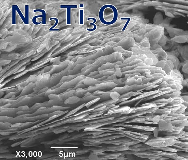 重金属吸着結晶 (三チタン酸ナトリウム)